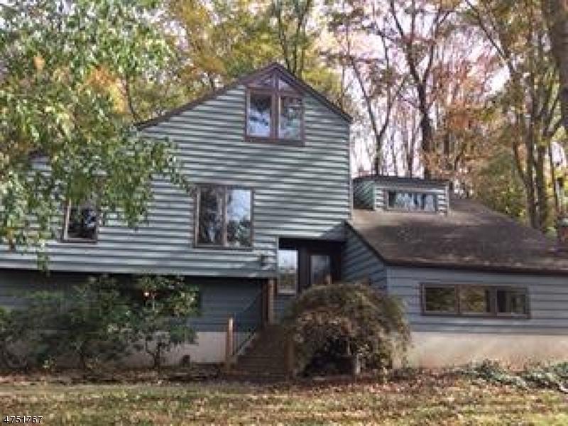 Частный односемейный дом для того Аренда на 40 Penn Avenue Andover, Нью-Джерси 07860 Соединенные Штаты