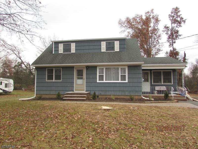 Частный односемейный дом для того Аренда на 421 Easton Turnpike Bridgewater, Нью-Джерси 08807 Соединенные Штаты