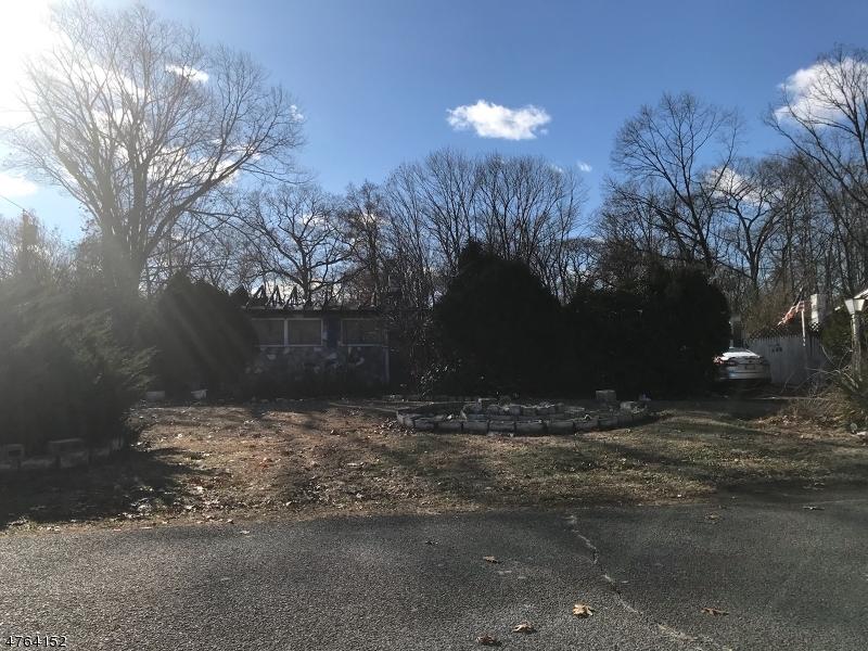 Частный односемейный дом для того Продажа на 138 Clinton Street Franklin, Нью-Джерси 08873 Соединенные Штаты