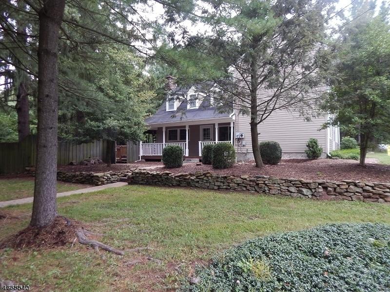 Maison unifamiliale pour l Vente à 325 Rick Road Milford, New Jersey 08848 États-Unis