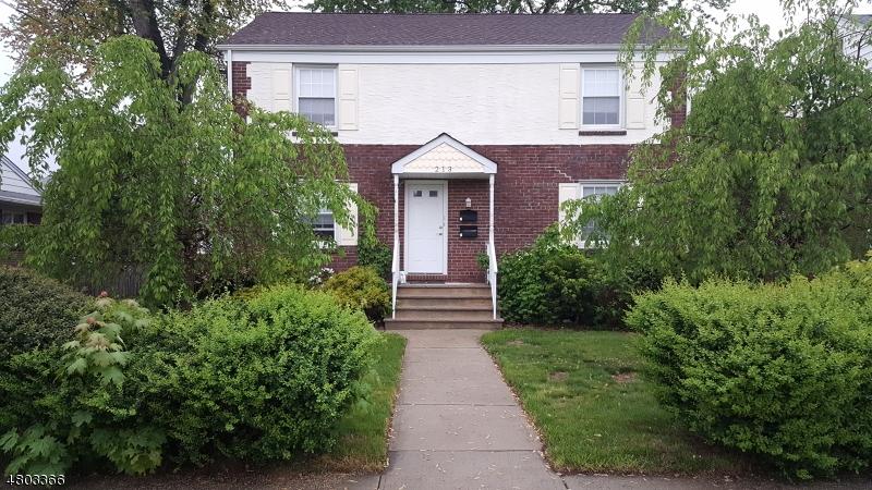 Maison avec plusieurs logements pour l Vente à 213 N 6th Avenue Manville, New Jersey 08835 États-Unis