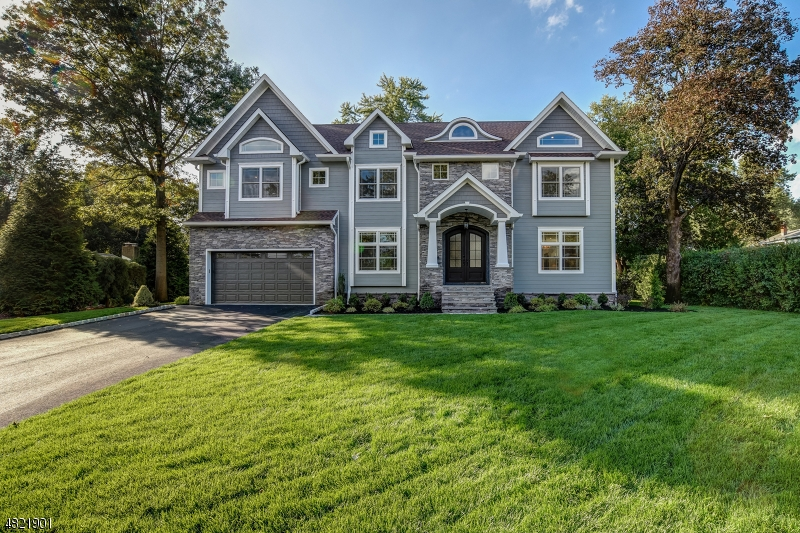 Single Family Home for Sale at 13 LESLIE Avenue Florham Park, New Jersey 07932 United States