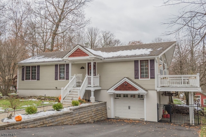 Single Family Home for Sale at 161 DECKERTOWN TNPK Montague, New Jersey 07827 United States
