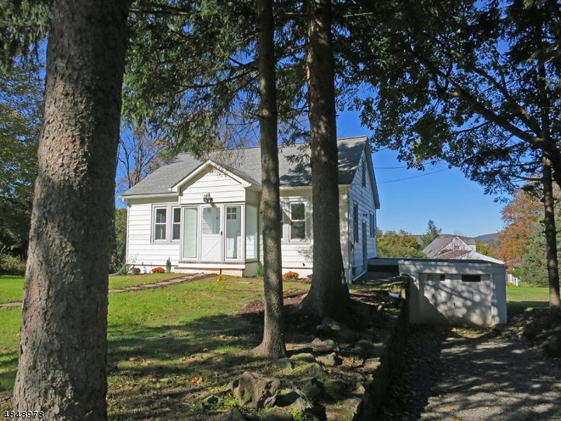 Property för Försäljning vid 180 WASHBURN Avenue Washington, New Jersey 07882 Förenta staterna