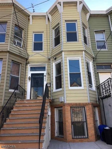 Многосемейный дом для того Продажа на 235 ACADEMY Street Jersey City, Нью-Джерси 07306 Соединенные Штаты