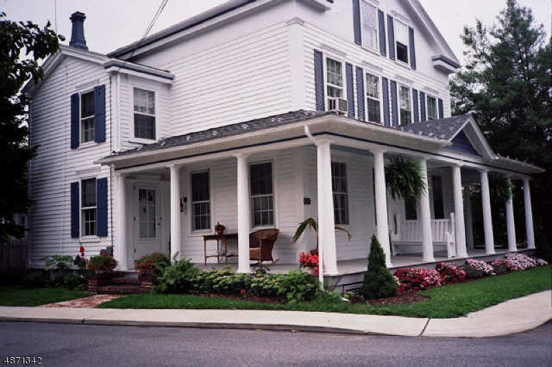 Flerfamiljshus för Försäljning vid 32 GREEN Street Milford, New Jersey 08848 Förenta staterna