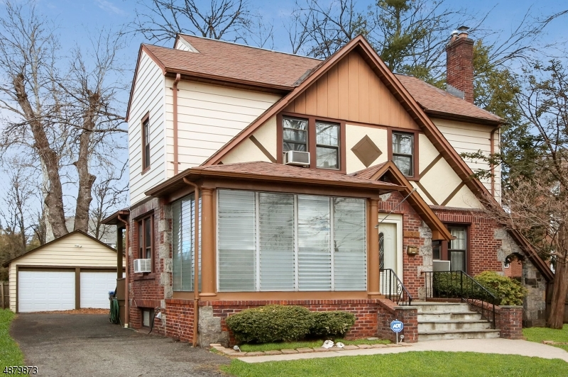 Single Family Home for Sale at 132 HACKETT Place Rutherford, New Jersey 07070 United States