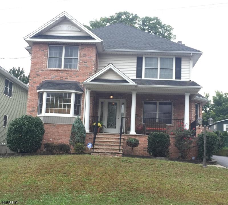 Частный односемейный дом для того Продажа на 10 HASTINGS Avenue Rutherford, Нью-Джерси 07070 Соединенные Штаты
