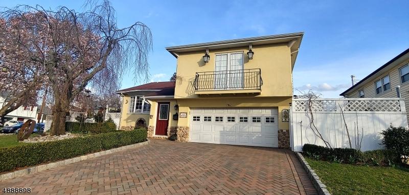 Maison unifamiliale pour l Vente à 1139 DEBRA Drive Linden, New Jersey 07036 États-Unis