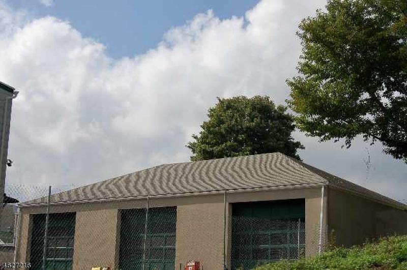 Commercial pour l Vente à Address Not Available Belleville, New Jersey 07109 États-Unis