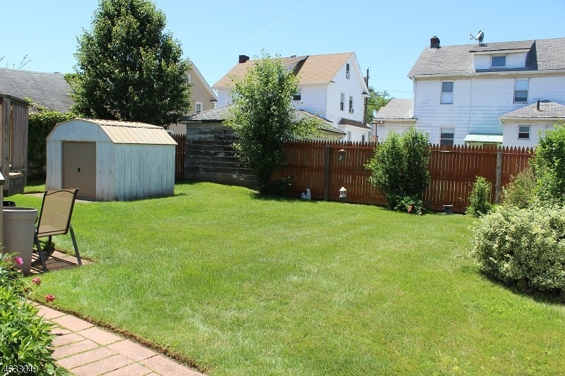 Additional photo for property listing at Address Not Available  Elizabeth, Nueva Jersey 07208 Estados Unidos