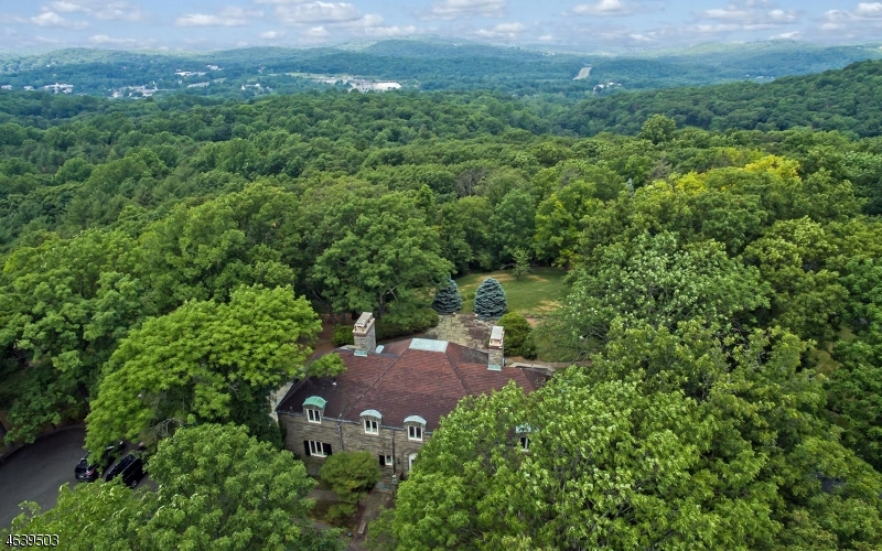 Additional photo for property listing at 210 E Mountain Road  Sparta, New Jersey 07871 United States