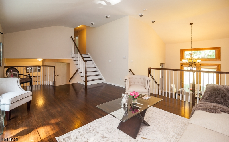 Additional photo for property listing at 51 Smithfield Drive  Springfield, New Jersey 07081 États-Unis