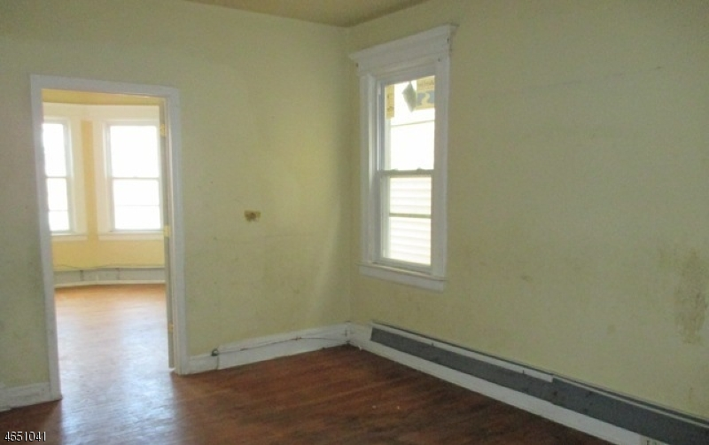 Additional photo for property listing at 527 21st Street  Irvington, 新泽西州 07111 美国