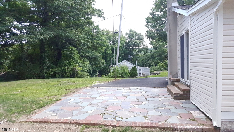 Additional photo for property listing at 29 Audubon Road  Hewitt, New Jersey 07421 États-Unis