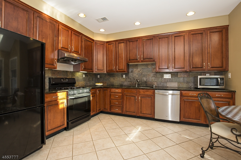 Additional photo for property listing at 93 Patriot Hill Drive  Basking Ridge, New Jersey 07920 United States