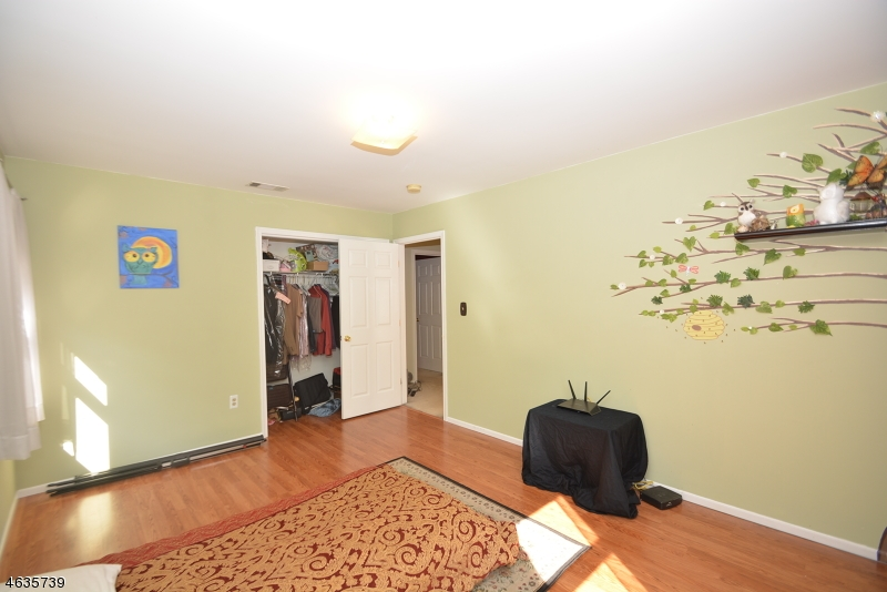 Additional photo for property listing at 11 LEIV ERICKSON Road  Rockaway, Нью-Джерси 07866 Соединенные Штаты