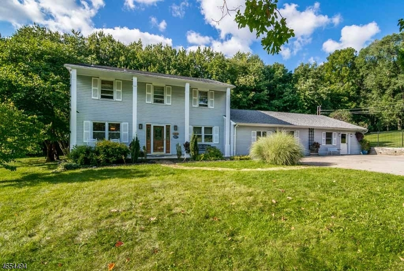 Single Family Home for Sale at 120 Russling Road Hackettstown, New Jersey 07840 United States