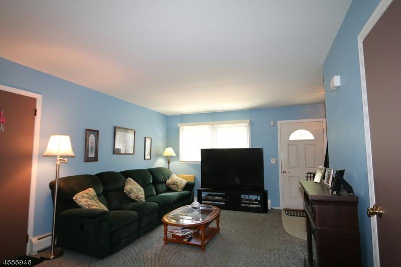Additional photo for property listing at 2142 Barnett Street  Rahway, Nueva Jersey 07065 Estados Unidos