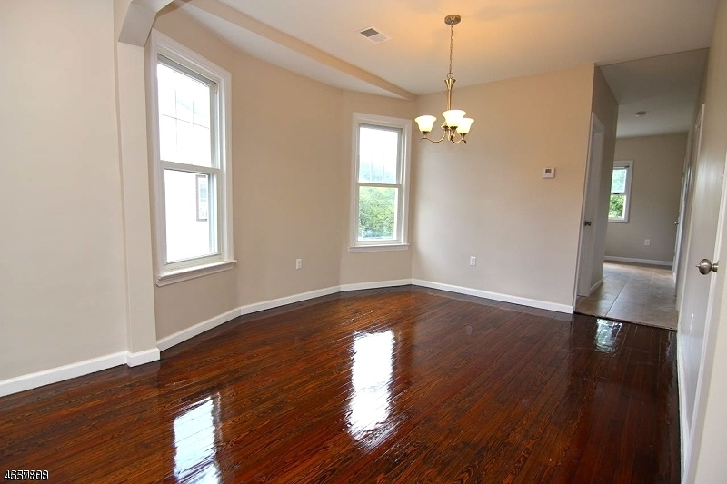 Additional photo for property listing at 27 Mount Pleasant Avenue  Belleville, New Jersey 07109 États-Unis