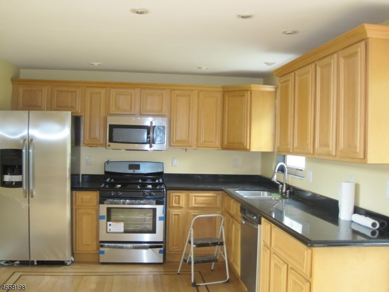 Additional photo for property listing at 1325-29 ROCK Avenue  Plainfield, Nueva Jersey 07060 Estados Unidos