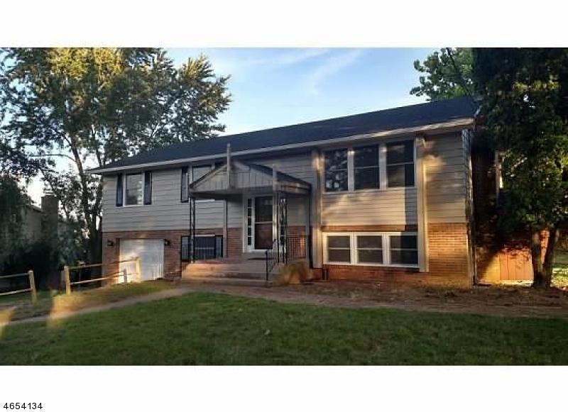 独户住宅 为 销售 在 18 McEntee Road 米尔福德, 新泽西州 08848 美国