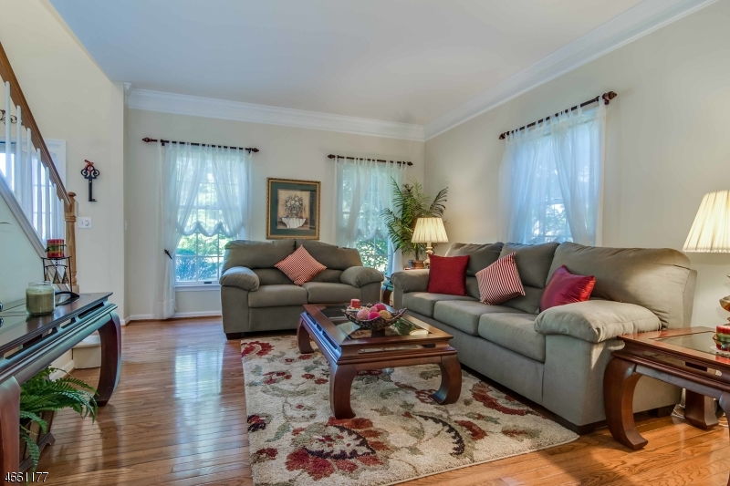 Additional photo for property listing at 10 Glen Eagles Road  Washington, New Jersey 07882 États-Unis