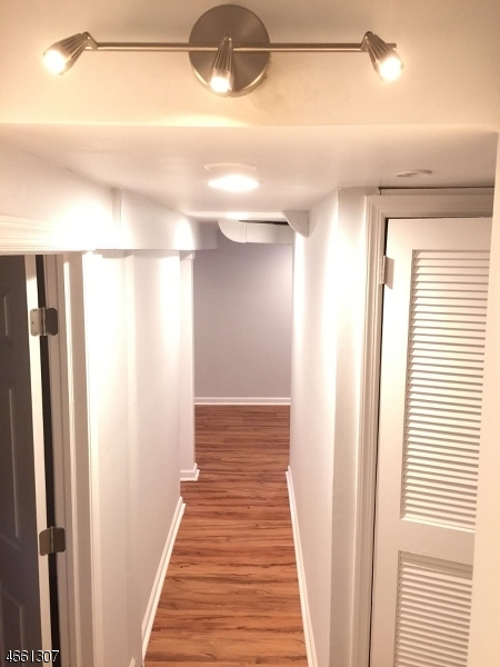 Частный односемейный дом для того Продажа на Address Not Available Roselle, Нью-Джерси 07203 Соединенные Штаты