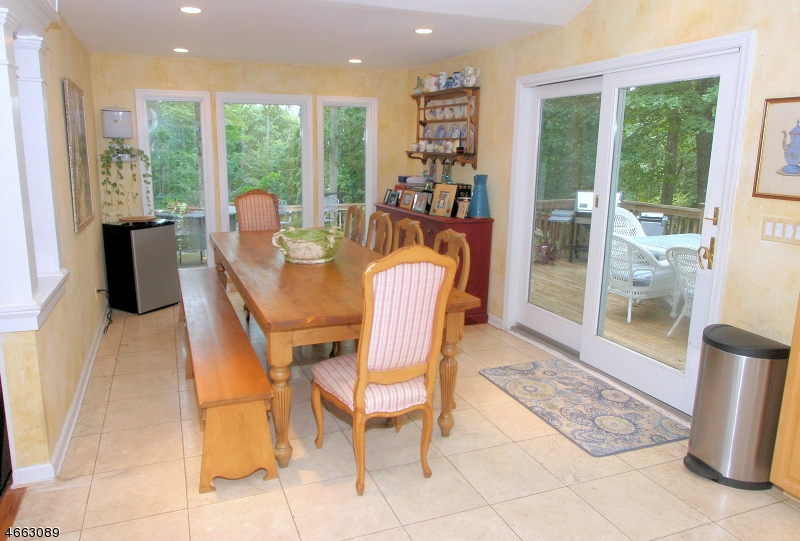 Additional photo for property listing at 7 Woodland Avenue  Woodcliff Lake, Nueva Jersey 07677 Estados Unidos