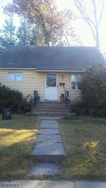 Maison unifamiliale pour l à louer à 724 E 1st Avenue Roselle, New Jersey 07203 États-Unis