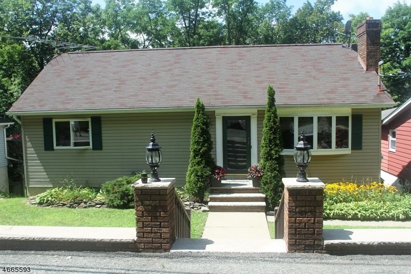 Casa Unifamiliar por un Venta en 26 Hillside Avenue Stockholm, Nueva Jersey 07460 Estados Unidos