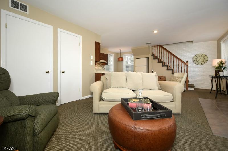 Частный односемейный дом для того Аренда на 79 E Madison Avenue Florham Park, Нью-Джерси 07932 Соединенные Штаты