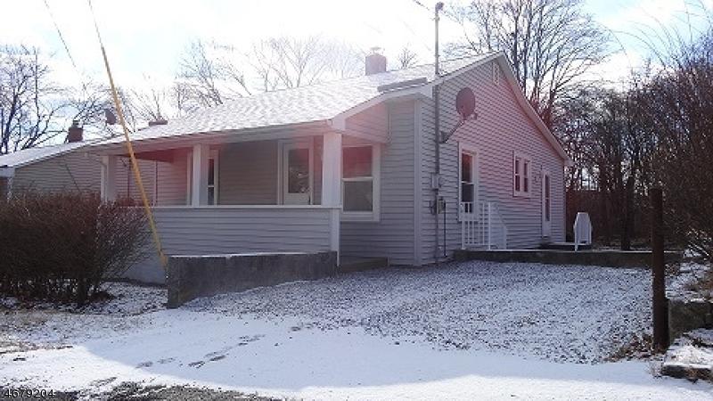 Частный односемейный дом для того Продажа на 12 Avenue B, Ogdensburg, 07439 Соединенные Штаты
