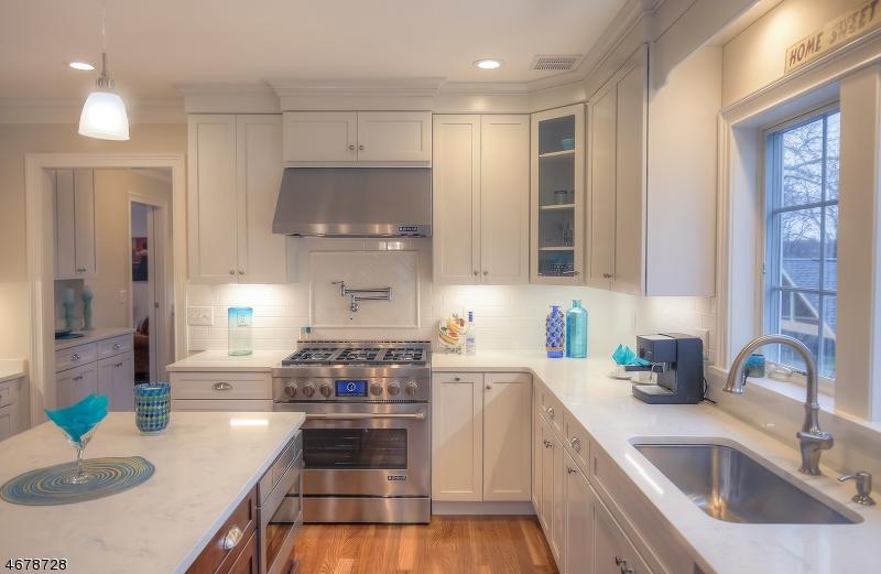 Частный односемейный дом для того Продажа на 230 Walton Avenue South Orange, Нью-Джерси 07079 Соединенные Штаты