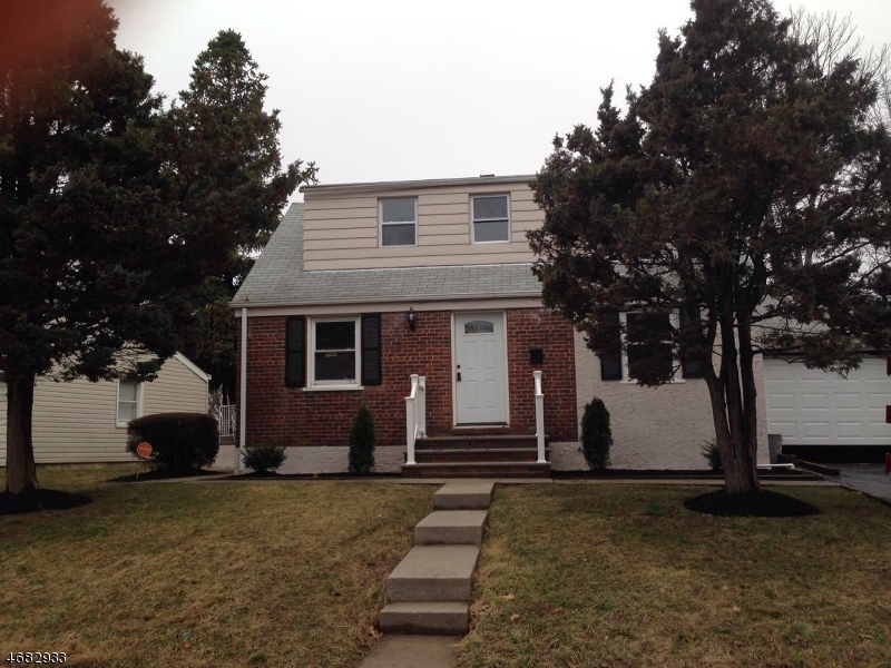 Single Family Home for Sale at 416 Brookside Drive Roselle, New Jersey 07203 United States