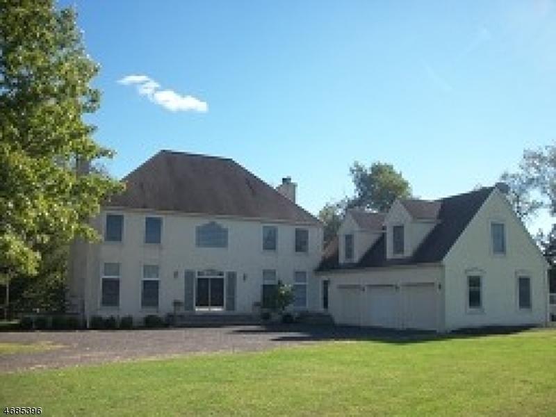 Casa Unifamiliar por un Alquiler en 5 Lightfield Road Whitehouse Station, Nueva Jersey 08889 Estados Unidos