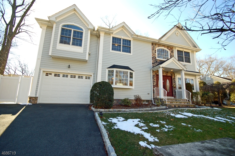 Single Family Home for Sale at 58 Mackay Avenue Waldwick, 07463 United States