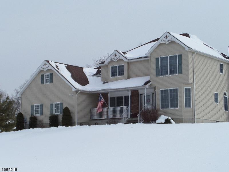 Частный односемейный дом для того Продажа на 10 SEELEY STORM Drive Glenwood, 07418 Соединенные Штаты