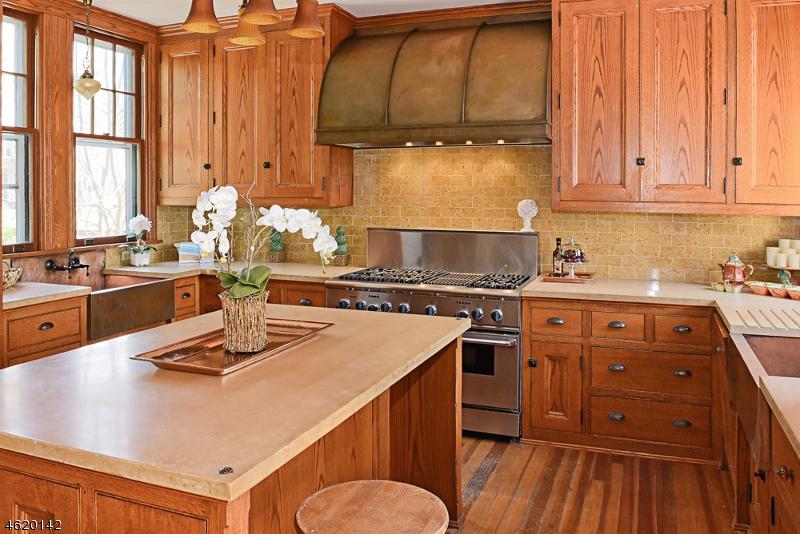 Casa Unifamiliar por un Venta en 42-46 MILLER Road Morristown, Nueva Jersey 07960 Estados Unidos