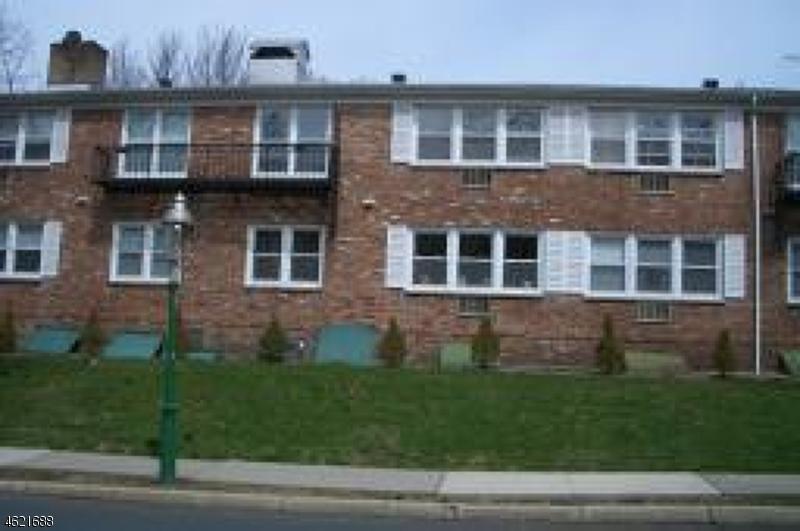 独户住宅 为 出租 在 123 Milligan Place 南奥林奇, 新泽西州 07079 美国