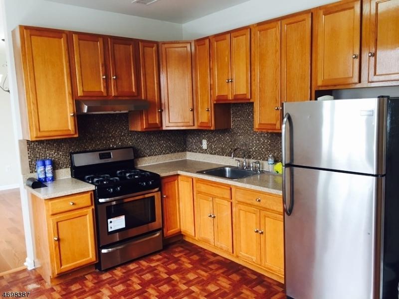 Maison unifamiliale pour l à louer à 6-8 ST MARYS Place Belleville, New Jersey 07109 États-Unis