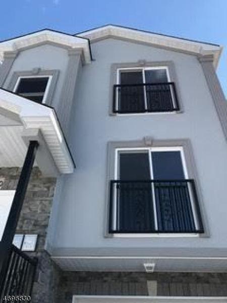 独户住宅 为 出租 在 50 Delaware Street Elizabeth, 07206 美国
