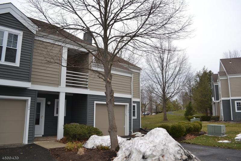 Casa Unifamiliar por un Alquiler en 104 Bonney Court Bridgewater, Nueva Jersey 08807 Estados Unidos