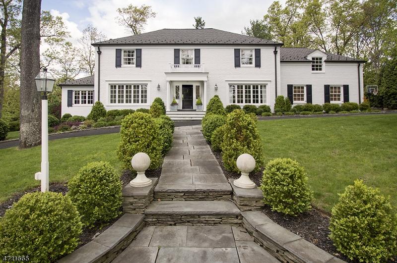 Частный односемейный дом для того Продажа на 99 COLT Road Summit, Нью-Джерси 07901 Соединенные Штаты