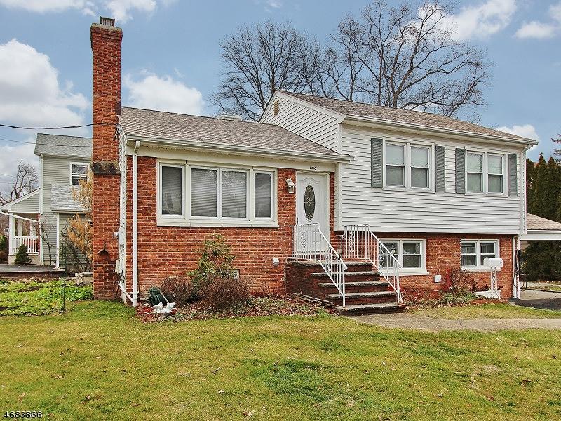 独户住宅 为 出租 在 806 Grant Avenue 韦斯特菲尔德, 新泽西州 07090 美国