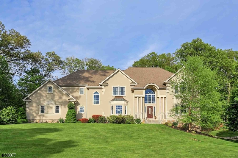 Single Family Home for Sale at 10 Fairway Drive Green Brook Township, 08812 United States