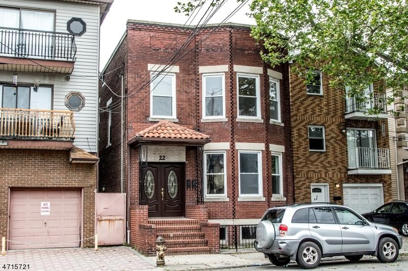 Частный односемейный дом для того Аренда на 22 Kossuth Street Newark, 07105 Соединенные Штаты