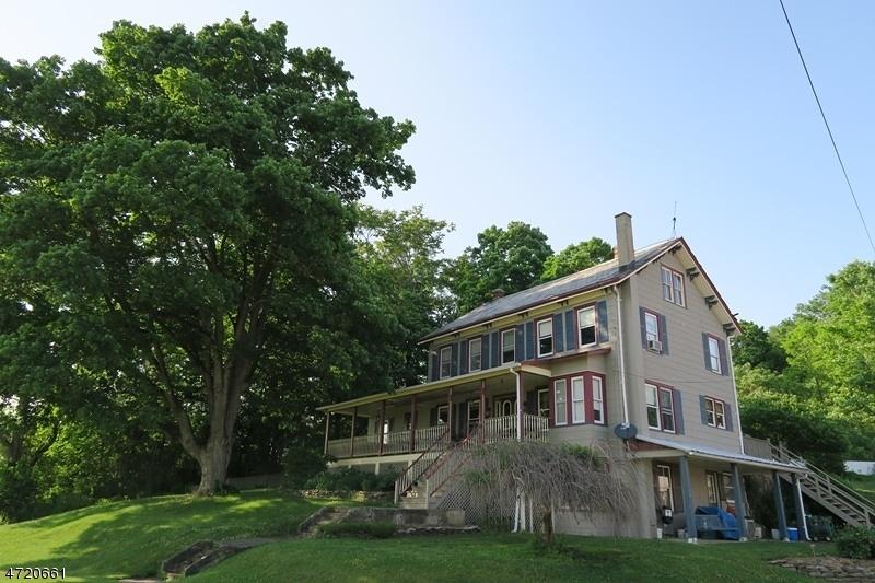 Maison unifamiliale pour l Vente à 15 Hamming Lane Wantage, New Jersey 07461 États-Unis