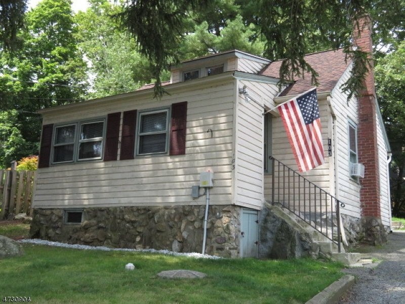 Single Family Home for Rent at 103 Randolph Avenue Hopatcong, New Jersey 07843 United States
