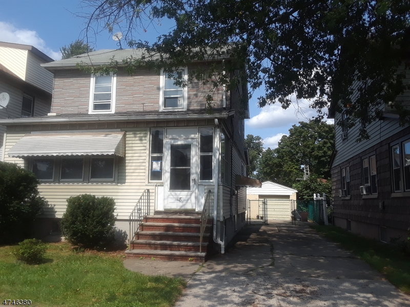 Nhà ở một gia đình vì Bán tại 18 Hermann Avenue Carteret, New Jersey 07008 Hoa Kỳ